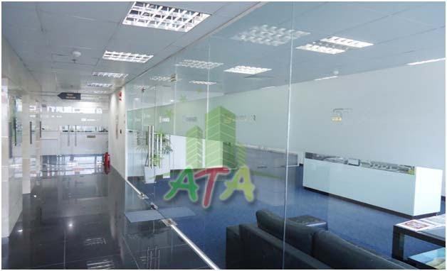 Văn phòng mặt tiền đường Trường Sơn. View sân bay TSN. DT: 350 m2 - 700 m2. Tel: 0902 326 080